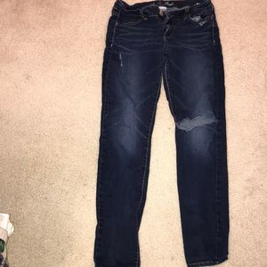 American Eagle Super Stretch Ripped Jeans Size 8